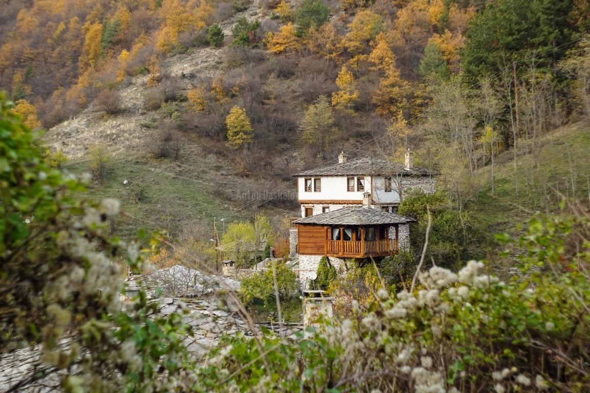 Пейзаж с къщи от село Косово